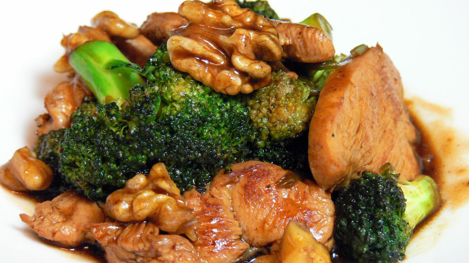 Cocinar para los amigos pollo con br coli for Que cocinar con pollo