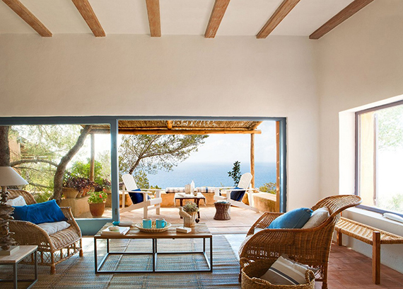Summer house in Formentera via El Mueble