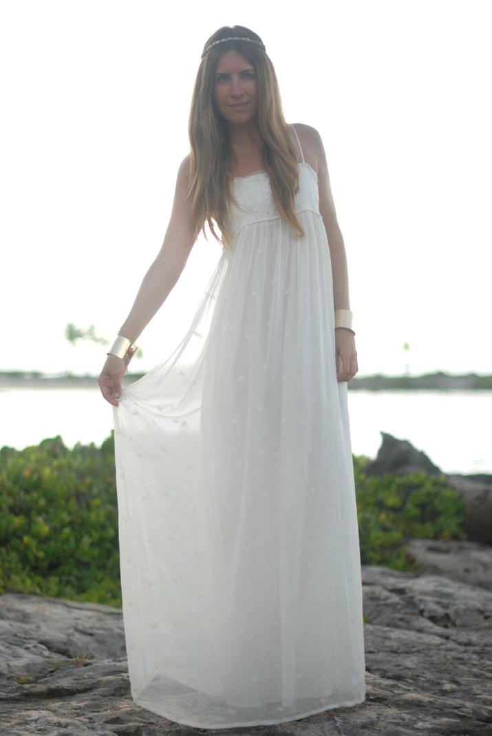 Vestido blanco en el blog de moda Mes Voyages à Paris. Fotos en Riviera Maya. Look para San Juan