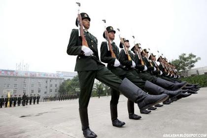 Sering Bikin Bau Kaki, China Ubah Model Sepatu Tentaranya Selama Ini