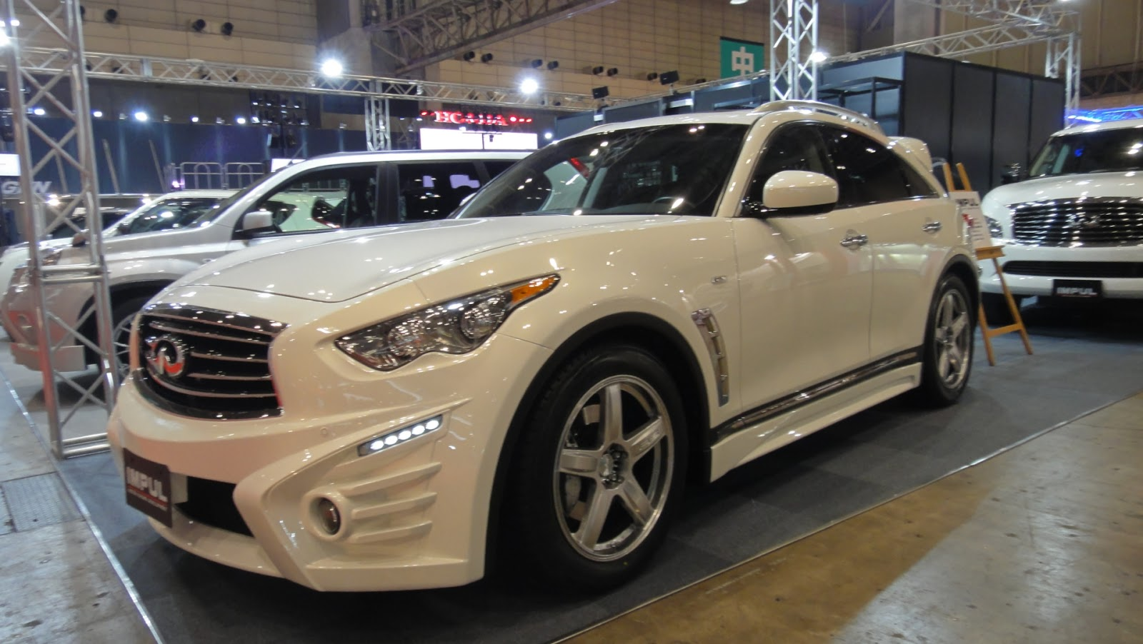 Car for the job 2013 infiniti fx37 motorflair 2013 infiniti fx37 sport vanachro Choice Image