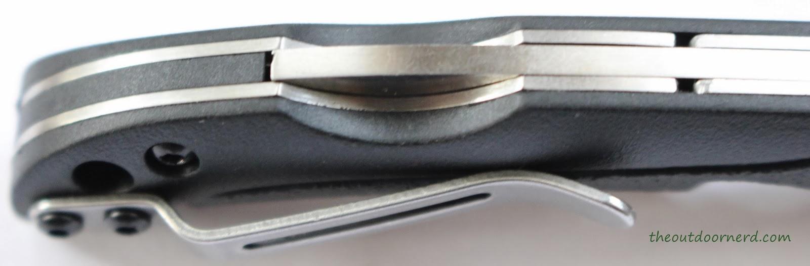 SanRenMu ZB-681 Pocket Knife - Closeup Of Back Lock