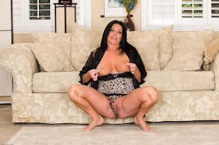 Casual Bottomless Girls - rs-sam076ASI_298229036-742252.jpg