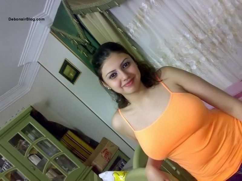 DESI CHORI SHEENA STRIPING SHOWING Photos