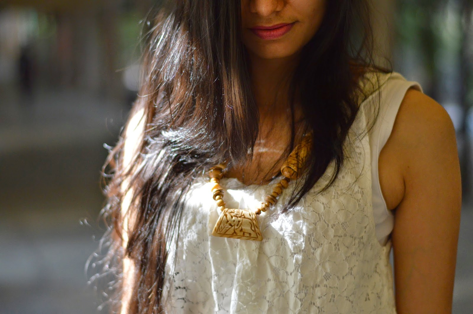 statement necklace, native indian necklaces, mumbai streetstyle, lace vest, mumbai fashion blogger, indian fashion blog, mumbai streetstyle, looks for less, street shopping in mumbai