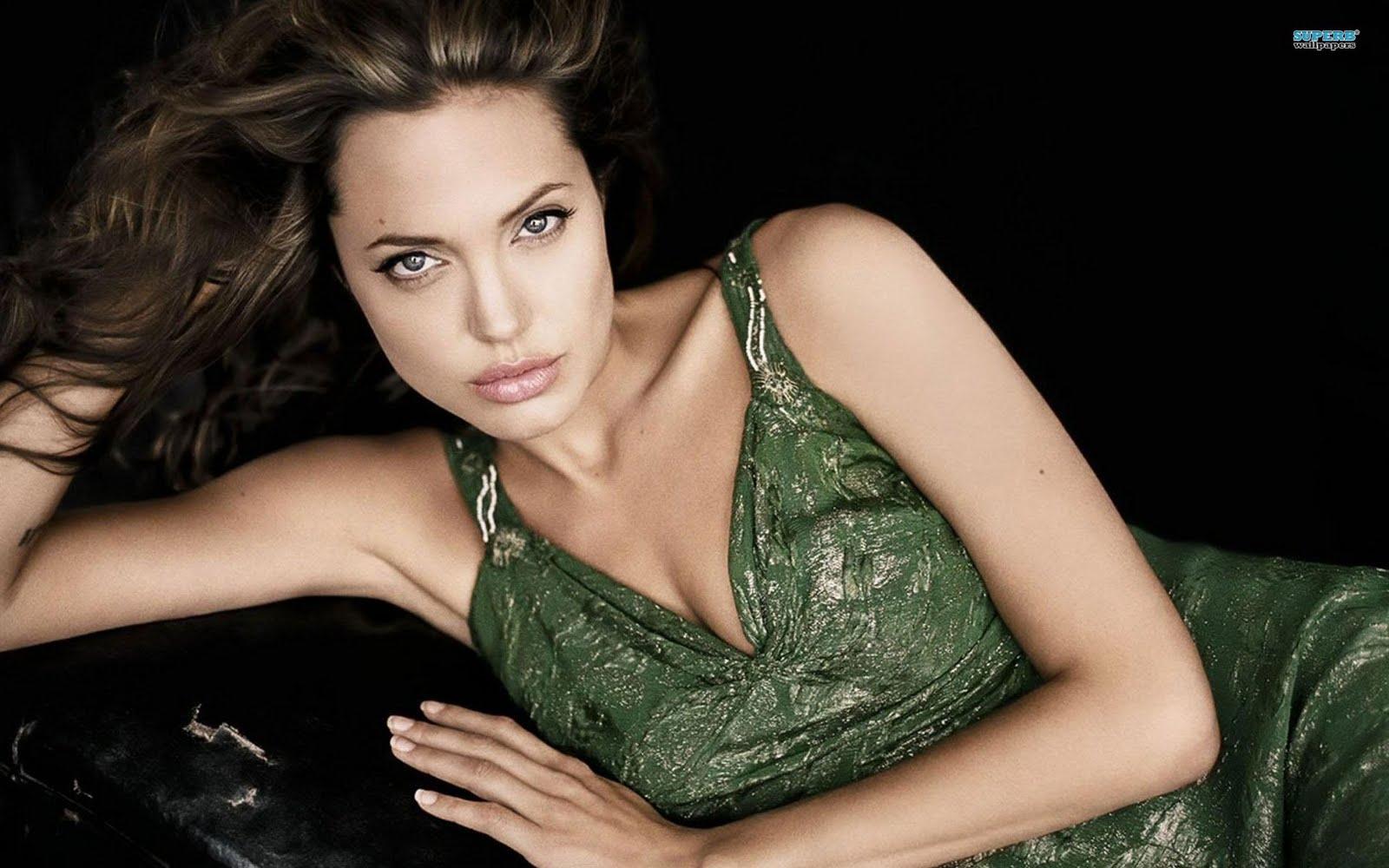 Signification Tatouage Angelina Jolie - Tatouage Angelina Jolie signification tatouages Angelina