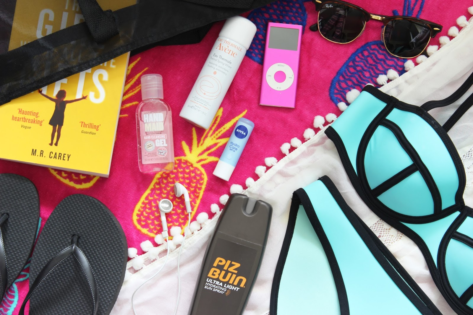 Beach Bag Essentials | BRITISH BEAUTY ADDICT