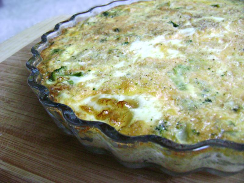 Crustless Broccoli and Potato Quiche | All Kinds of Yumm