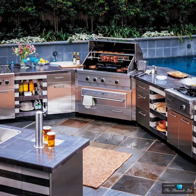 functional-outdoor-kitchen-design