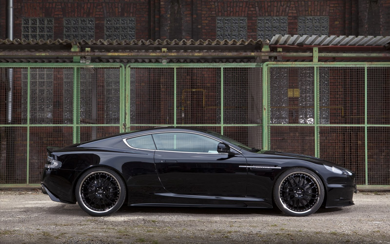 http://4.bp.blogspot.com/-qrWzWSMpUJE/Tm4XrtiZ75I/AAAAAAAAA90/YPoN85LyIEA/s1600/edo-competition-aston-martin-dbs-2011-car-wallpapers-widescreen-01.jpg