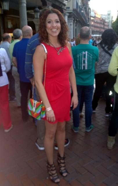 Vestido rojo desigual