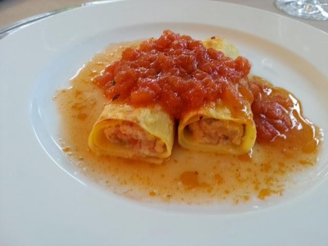 cannelloni al pomodoro con ripieno mare