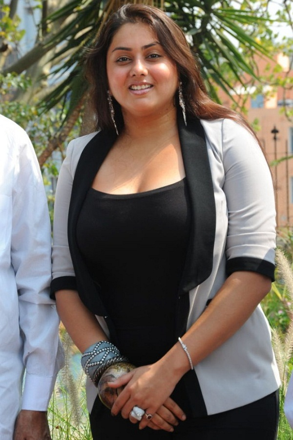 Namitha Kapoor Hot Black Actress Divya Bhandari