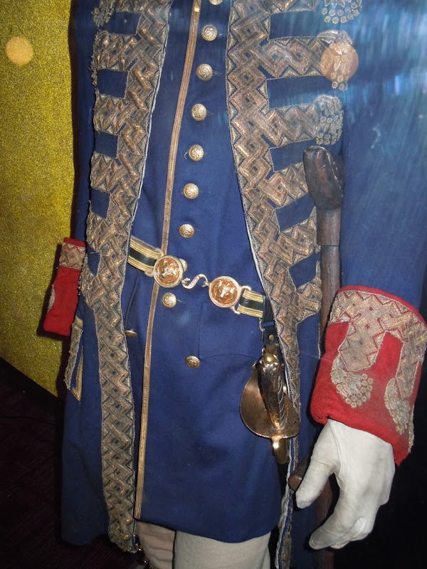 Pirates 4 Captain Barbossa costume