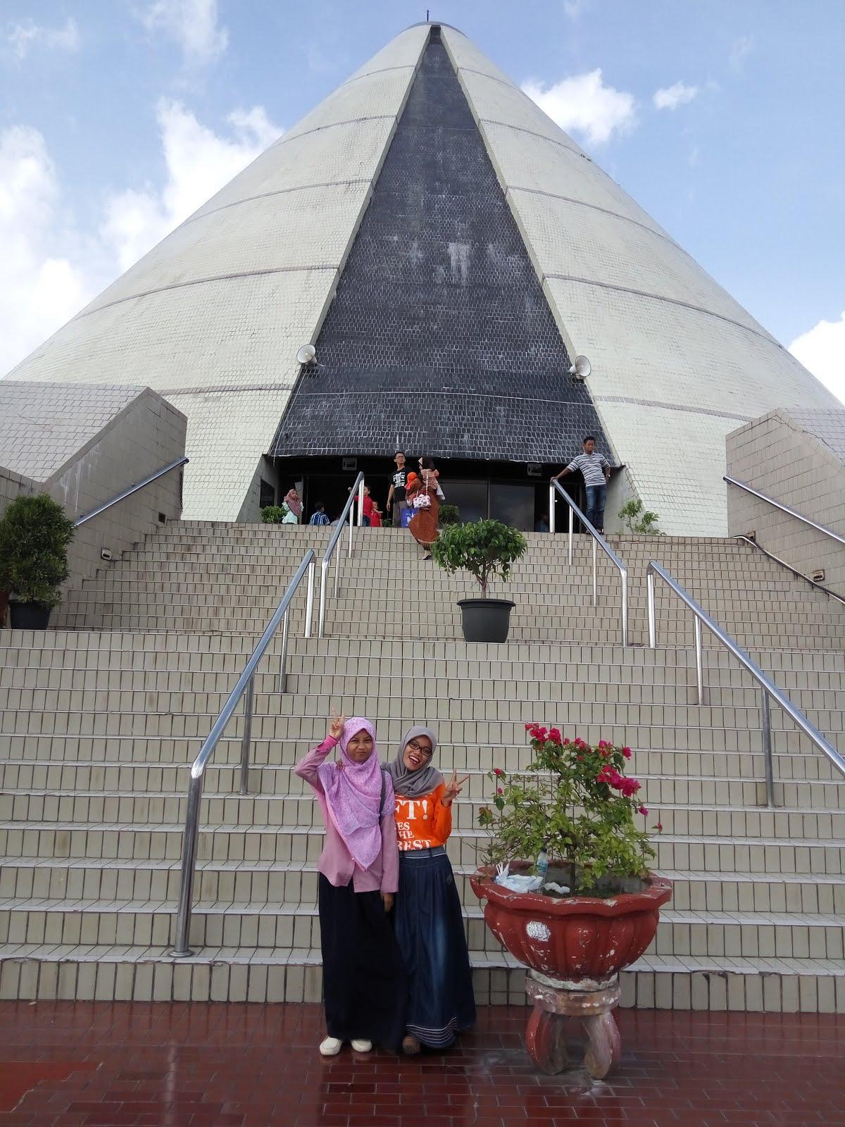 Monumen Jogja Kembali, Yogyakarta, 12/16