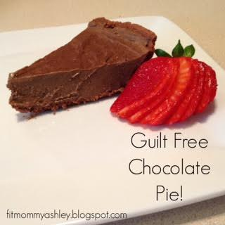 chocolate pie, healthy desserts, healthy pie, chocolate recipes, shakeology recipes, 21 day fix desserts, clean eating desserts, superfoods, Beachbody coach, Ashley Roberts, greek yogurt, protein desserts