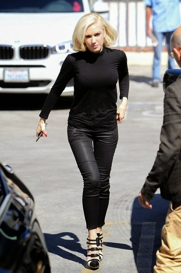 We gotta hand it to Gwen Stefani for not only being daring, but also entirely owning what she wears.  The musician turned head on Wednesday, March 4, 2015 in a pair of skintight leather pants when spotted walking at the street in Los Angeles.