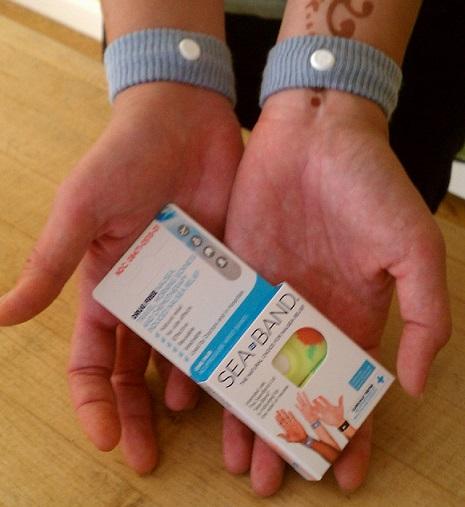 sea band akupresur lengan untuk mengurangi rasa mual saat hamil