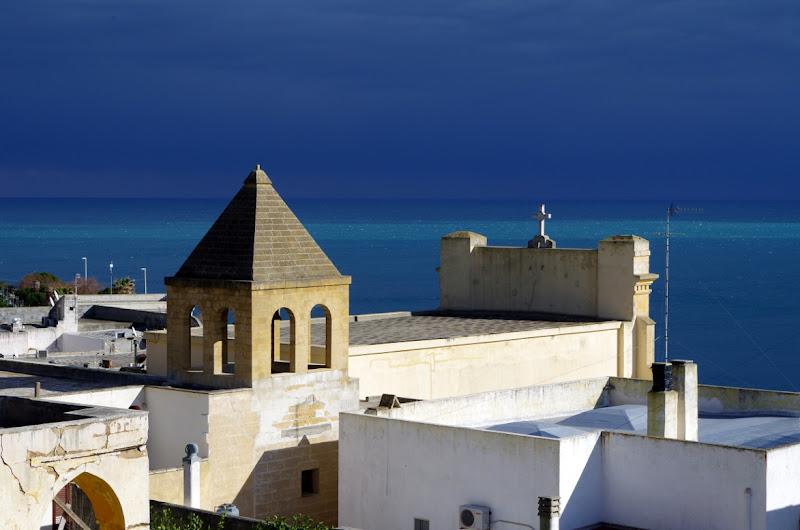 Kirche in Santa Cesarea Terme im Januar (Apulien, Italien)