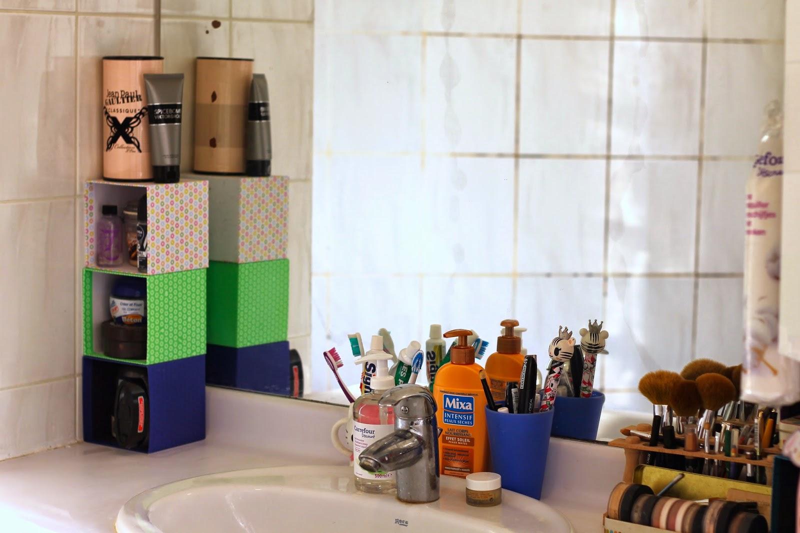 Deco salle de bain comment recycler ses objets usuels slanelle style - Objet de salle de bain ...