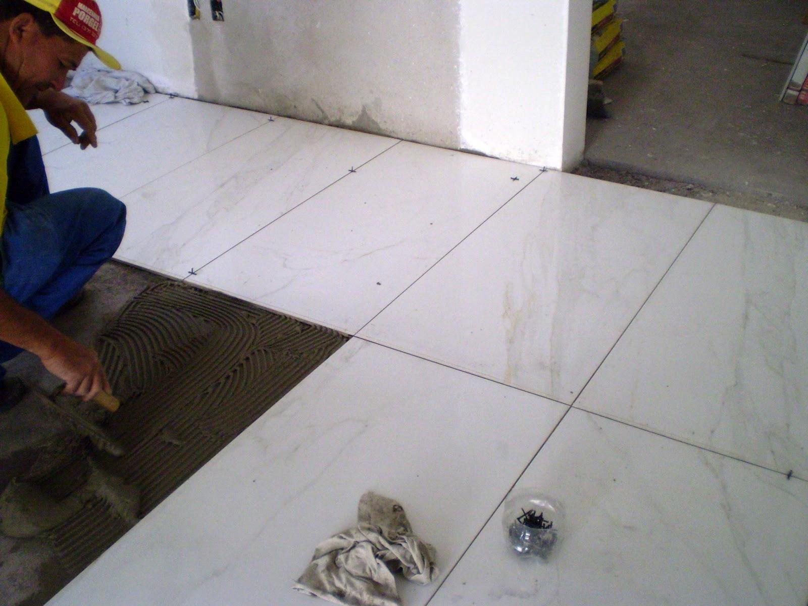 Casa da Áurea: Mais informações sobre o banheiro com Porcelanato  #5C4133 1600x1200 Banheiro Com Porcelanato Carrara