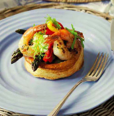 Prawn or Scallop Tarts with Asparagus and Aioli