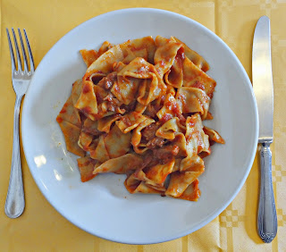 Pappardelle with sugo di lepre (sauce with hare).