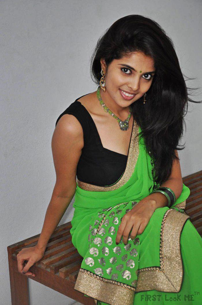 3 srilankan tamil indian teenager taking her shower - 5 8