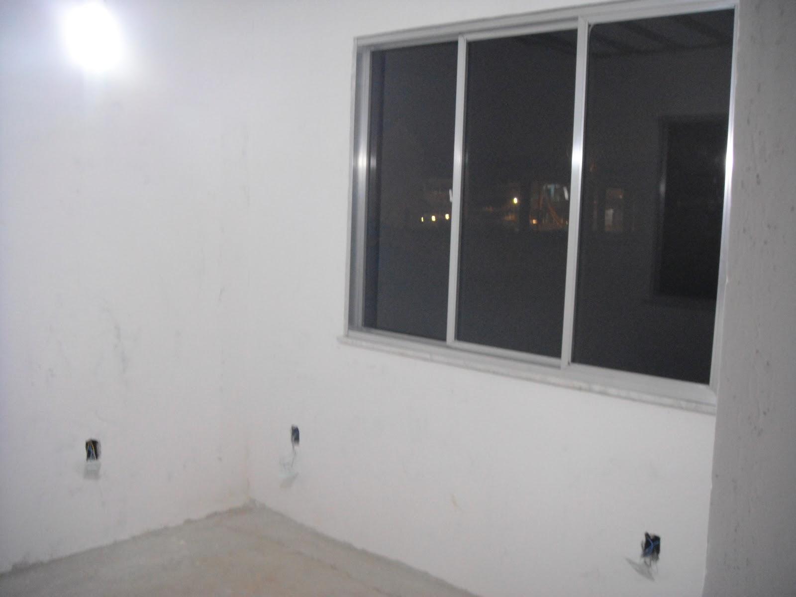 da porta para o quarto do baby 2 janelas de 3 folhas. (1 janela  #5A4E45 1600x1200 Banheiro Com Janela Para O Quarto