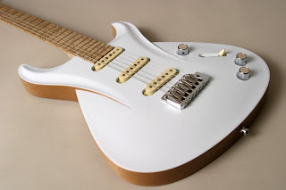 Frank Hartung Guitars Stradosphere White