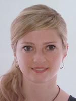 Dpda Teresa Flo. Fisioterapeuta y Osteópata pediátrica            Especialista en masaje y osteopatía Infantil de L' Espai Salut