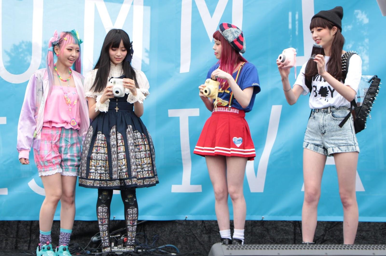 j pop summit, san francisco, harajuku fashion, japan, japanese, ayumi seto, eva, yura, saki sato, instax mini, fashion show