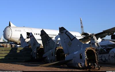 aeronaves - Davis-Monthan AFB - o maior cemitério de aeronaves do mundo  AMARC+-+ex+TBA+707+PT%C2%B4TCQ
