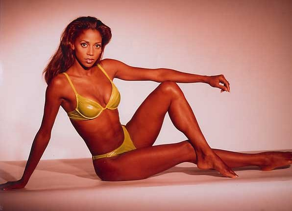 Holly Robinson Peete Nude