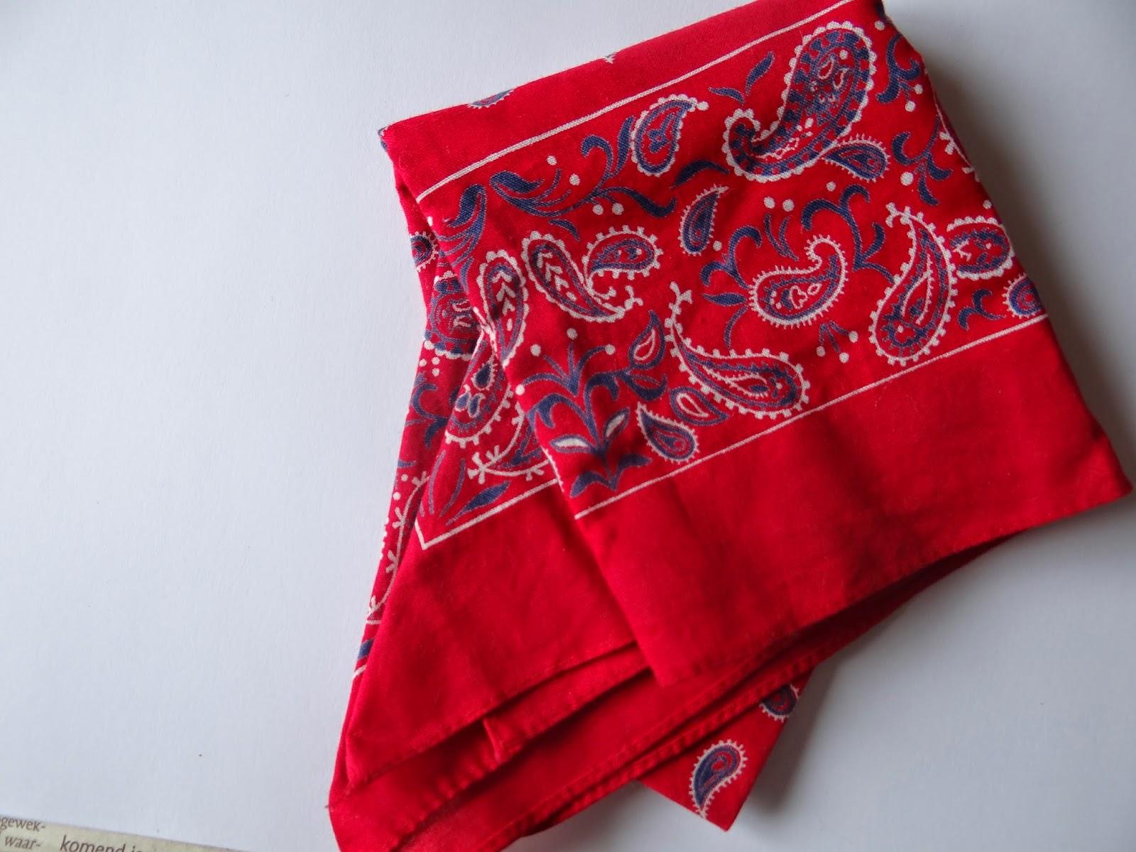boerenzakdoek rood red farmer scarf
