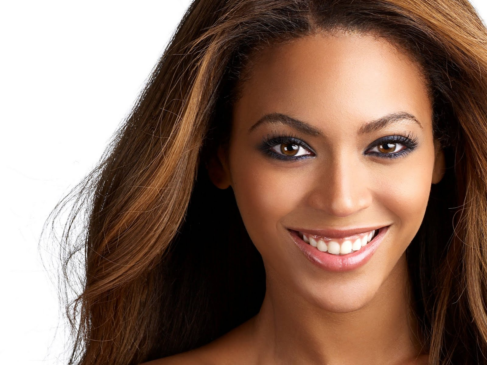 http://4.bp.blogspot.com/-qu84Khh3nnk/TmSrq62lZfI/AAAAAAAAAyw/D2y1cxzq2CE/s1600/Beyonce+Knowles+Photo+Gallery+%252824%2529.jpg