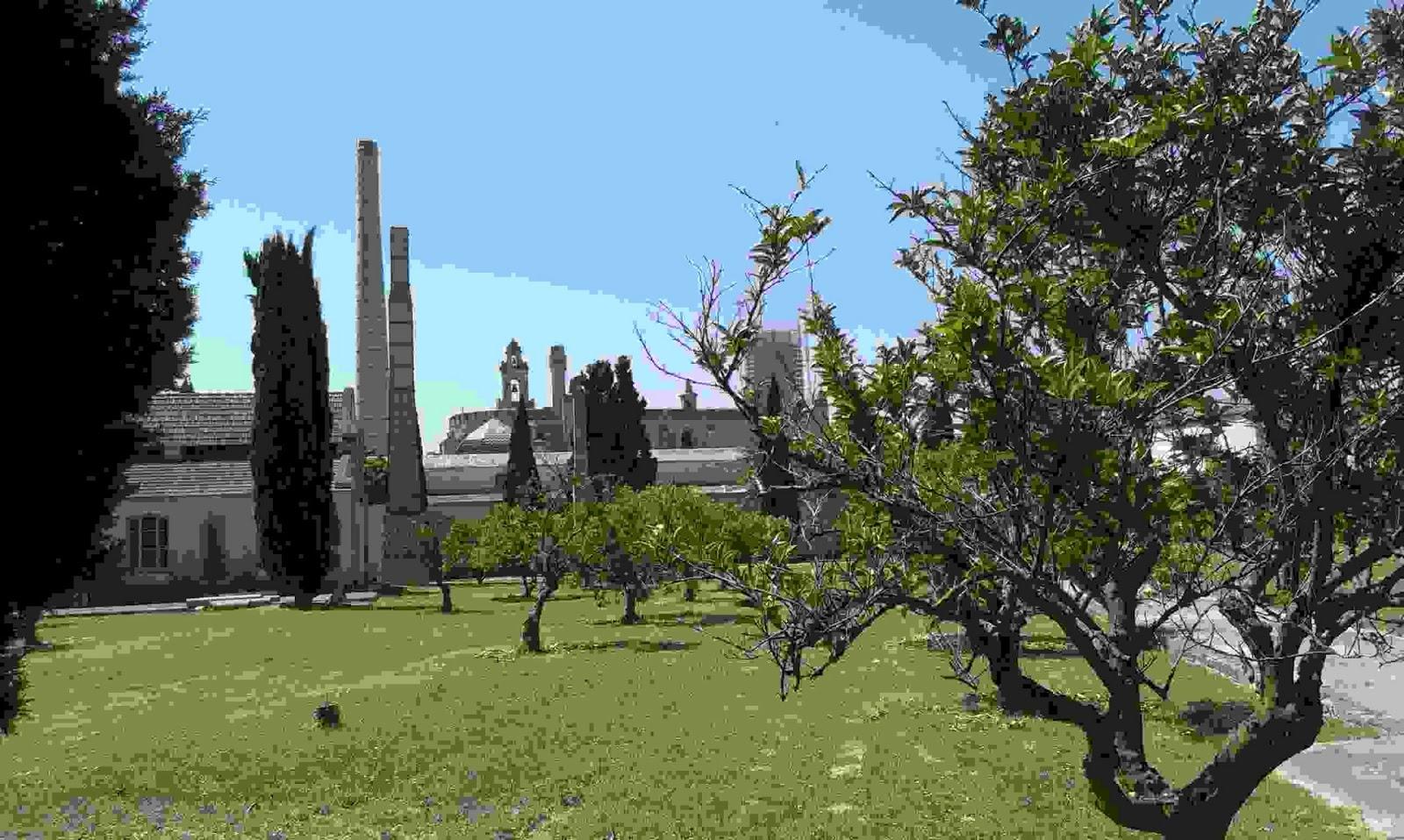 El portal de susana la magia del monasterio de la cartuja for Los jardines de la cartuja