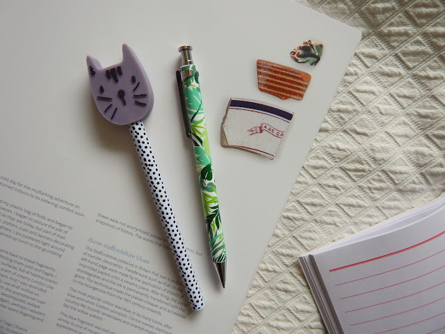 Cat Leafy Pen Stationary