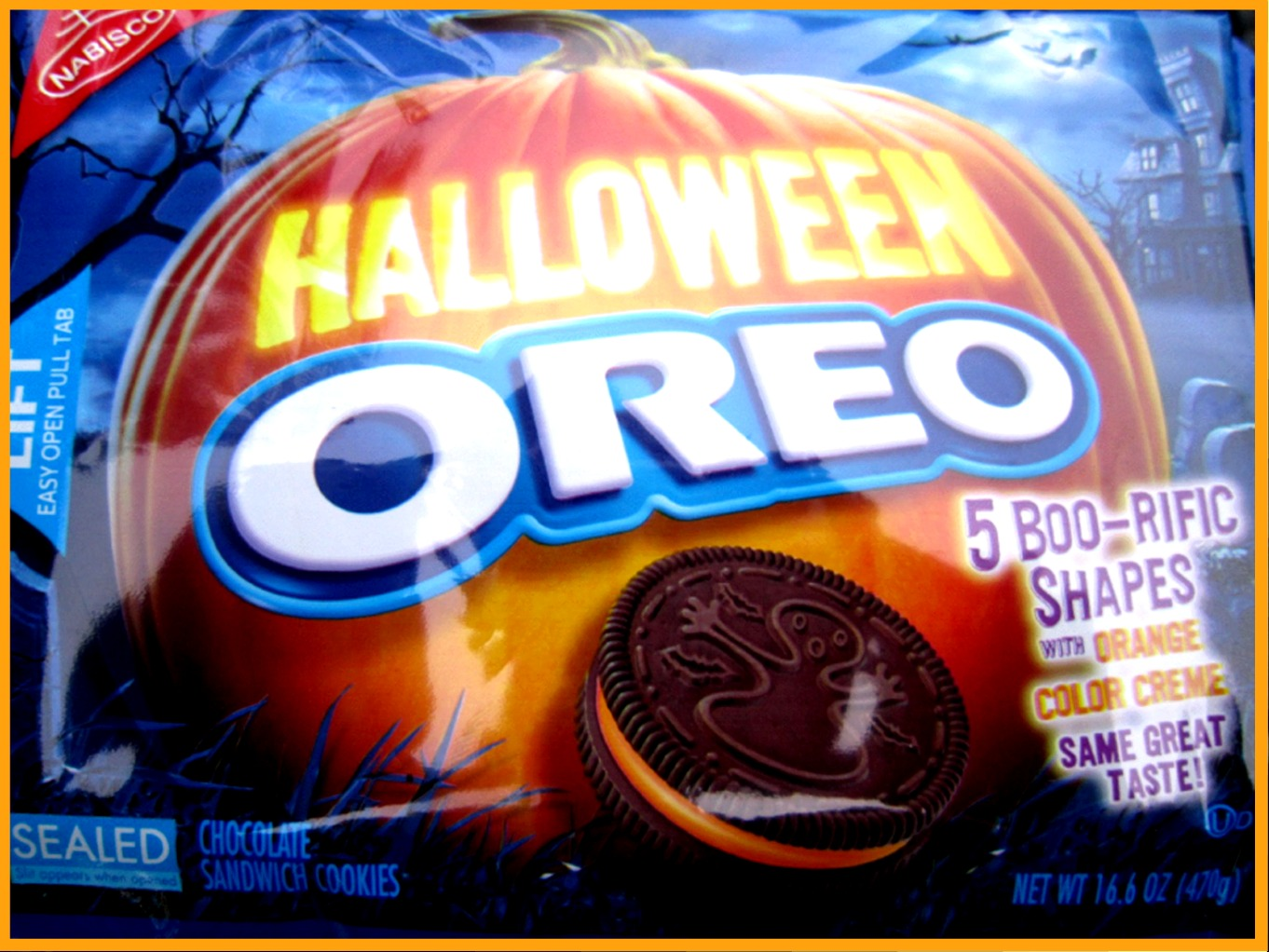 The Holidaze: Halloween Oreo Cookies