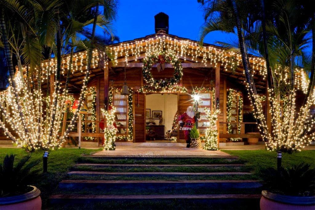 decoracao para jardim de sitio:Fachadas de casas/lojas decoradas para o natal – veja modelos e dicas