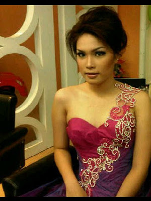 finalis miss indonesia 2011 Lidia Thendeano - SuLut