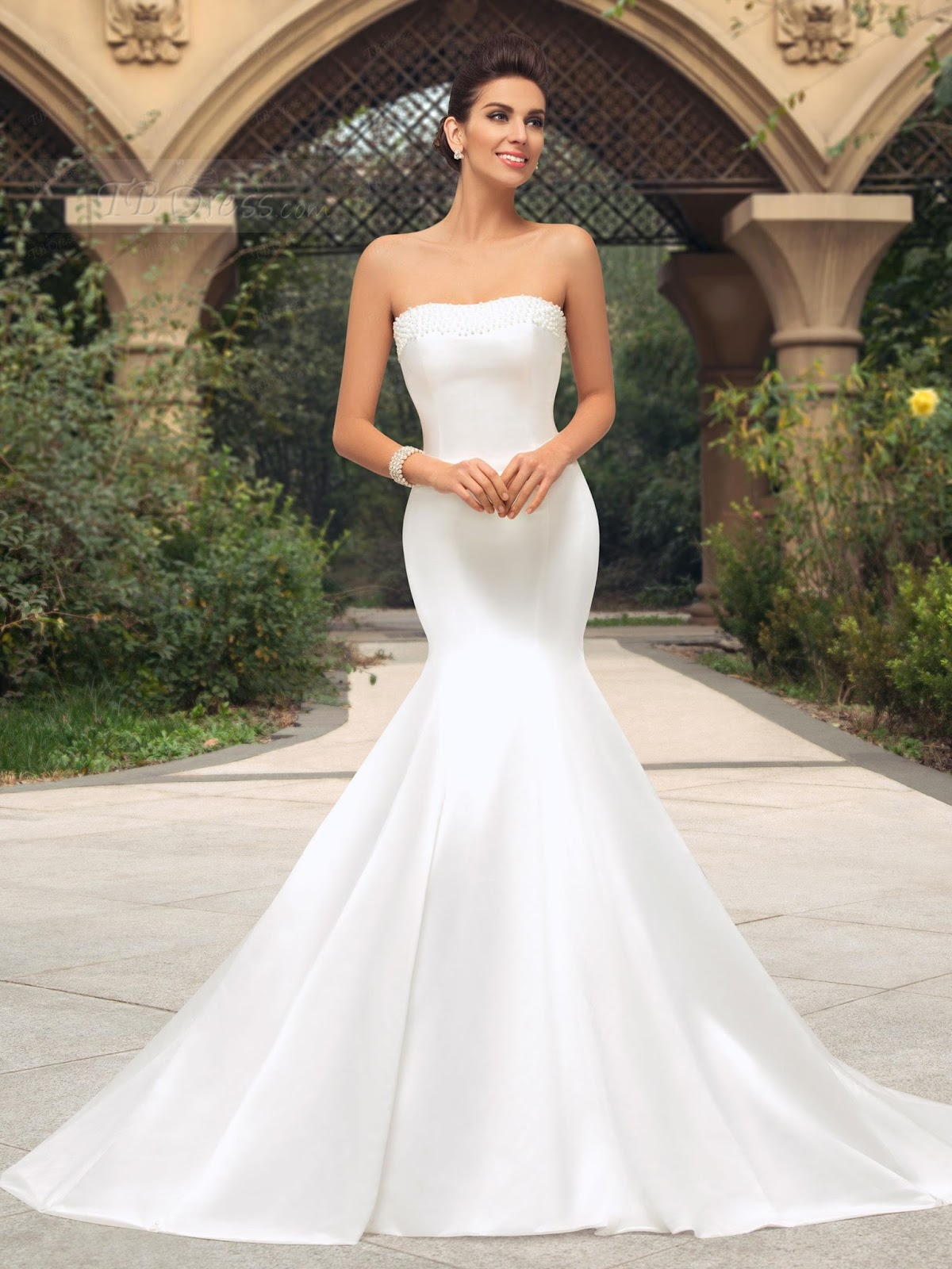 985963a48742 Tbdress is a global leading fashion Wedding dresses store , today we will  bring you a Strapless Trumpet Pearl Court Train Wedding Dress.
