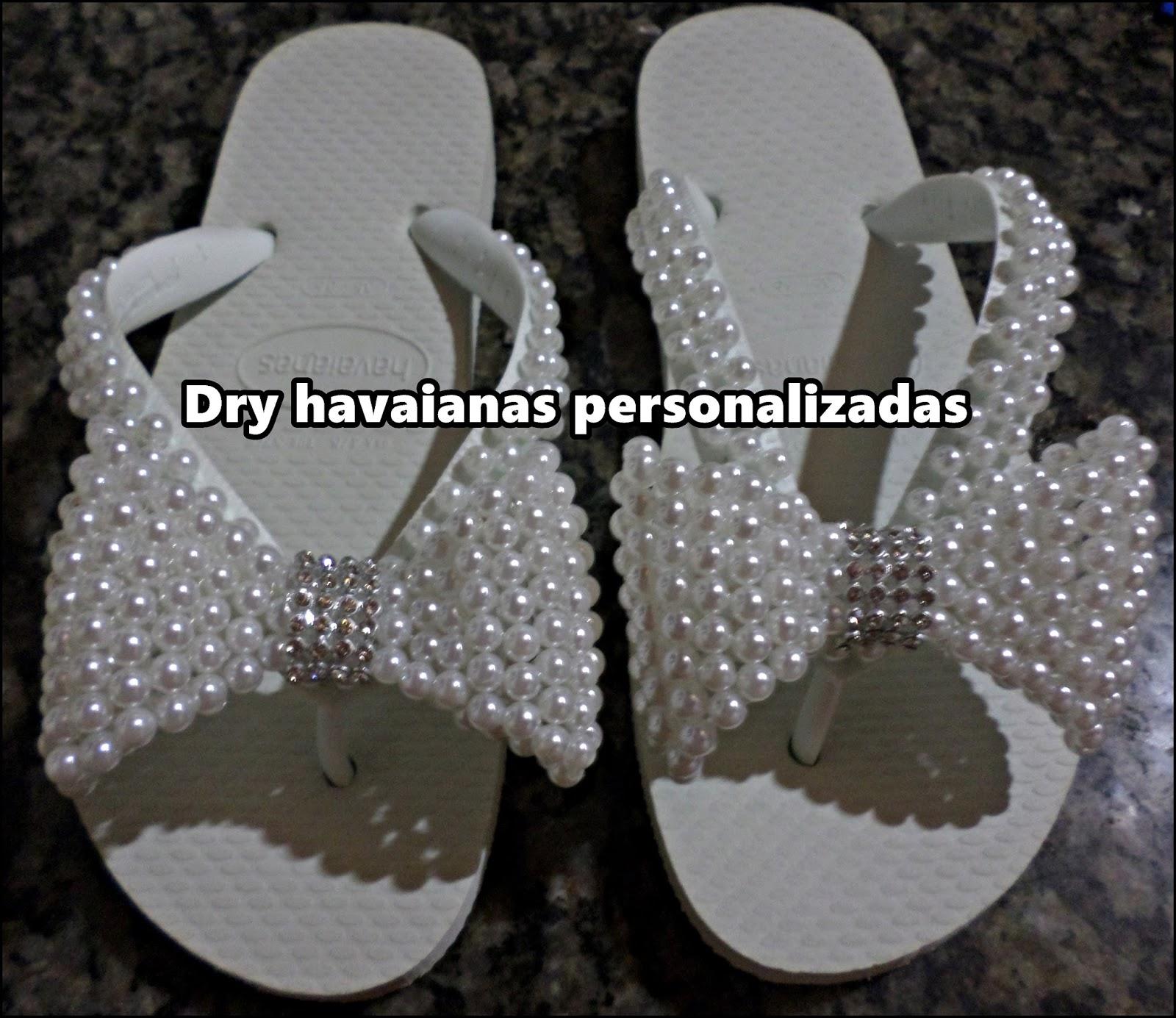 Chinelos e sandalias bordadas