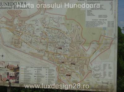 harta orasului Hunedoara la intrare in oras din directia oraselor Simeria si Deva
