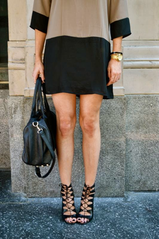 What To Wear To A Holiday Party-Golden Divine Blog-Fashion Blogger-LA personal style blogger-Ashley Murphy-Lulus Dress- Lace Up Pumps