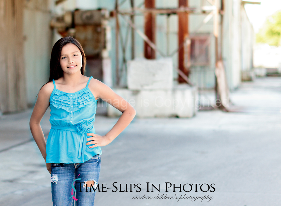 fun_warehouse_photo_shoot_Tracy_CA