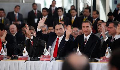 Javier Duarte, Moreno Valle, Gabino Cue y otros gobernadores se reunieron con 'El Chapo'