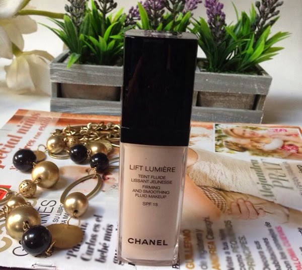 chanel lift lumiere,base de maquiagem , make up chanel