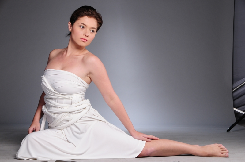 beautiful filipina actress andi eigenmann 01
