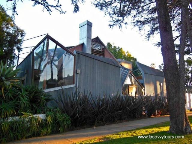 Casa de Frank Gehry estilo Postmoderno en California